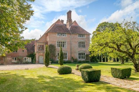 Nettlestead, Ipswich, Suffolk. 8 bedroom equestrian facility for sale