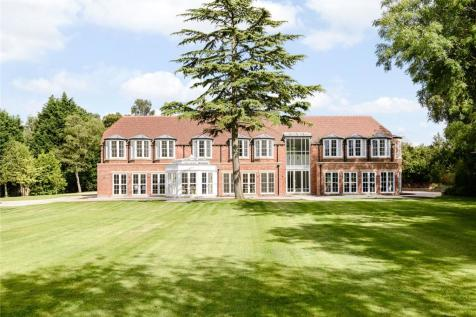 Fulmer Common Road, Fulmer/Iver, Buckinghamshire. 6 bedroom detached house for sale