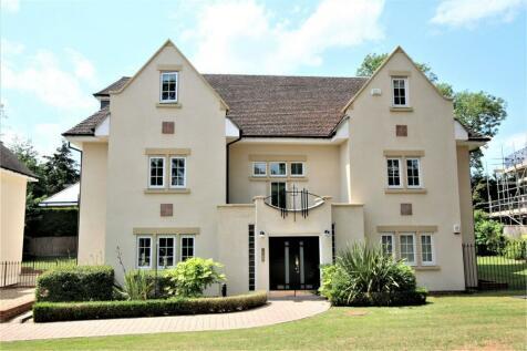 Grosvenor Court, Packhorse Road, Gerrards Cross, Buckinghamshire. 2 bedroom flat