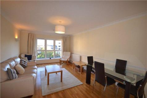 Knights House, 75 Gainsford Street, London, SE1. 1 bedroom flat
