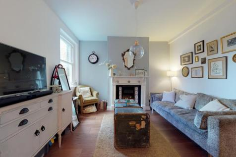 Greenwich Court, Cavell Street, E1. 1 bedroom flat