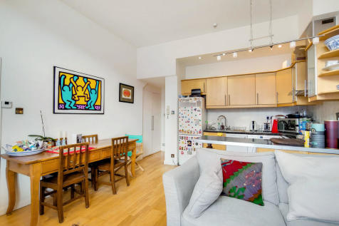 Shrewsbury Road, Notting Hill W2. 2 bedroom flat
