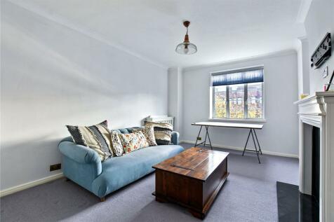 Latymer Court, Hammersmith Road, London, W6. 3 bedroom flat