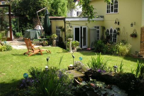 Manor Way, Beckenham, Kent, BR3. 3 bedroom detached house