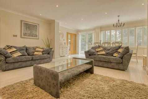 Lodge Avenue, Elstree. 3 bedroom bungalow