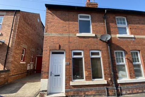 Victoria Street, Melbourne, Derby. 2 bedroom end of terrace house