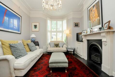 Nevill Road, London. 4 bedroom maisonette
