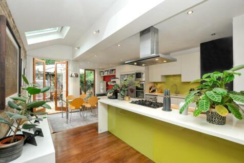 Grayling Road, Stoke Newington, London. 4 bedroom terraced house