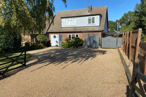 Mountnessing Road, billericay. 4 bedroom detached house for sale