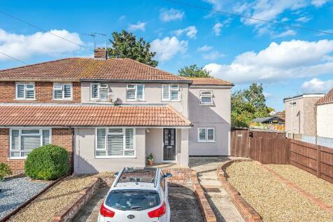 Bedonwell Road, Belvedere, Kent, DA17. 4 bedroom semi-detached house for sale