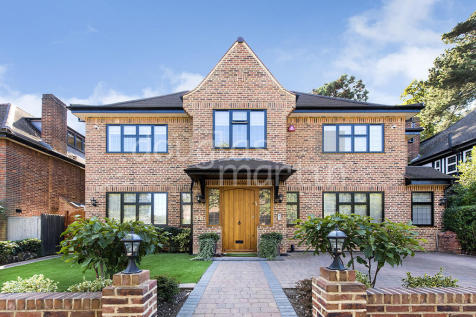 Cedars Close, London NW4. 6 bedroom detached house