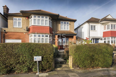 Crespigny Road, London NW4. 5 bedroom detached house