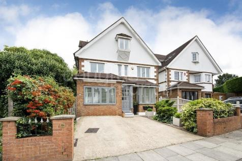 Talbot Crescent, London NW4. 6 bedroom detached house