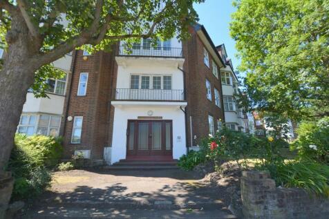 Queens Road, Hendon. 3 bedroom apartment