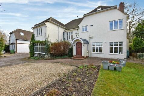 Ellesborough Road, Wendover, Aylesbury, Buckinghamshire, HP22. 7 bedroom detached house