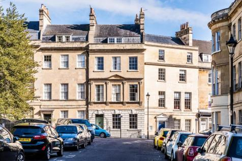 St James's Square, Bath, BA1. 4 bedroom town house for sale