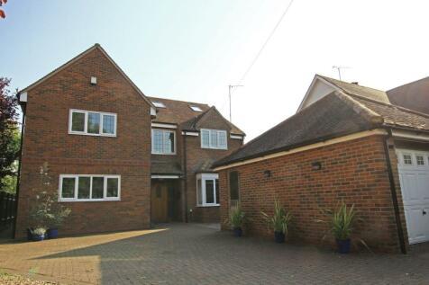 Westwood Road, Trowbridge, BA14. 6 bedroom detached house