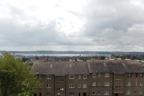 Colinton Place, Dundee, DD2 2BW. 2 bedroom flat