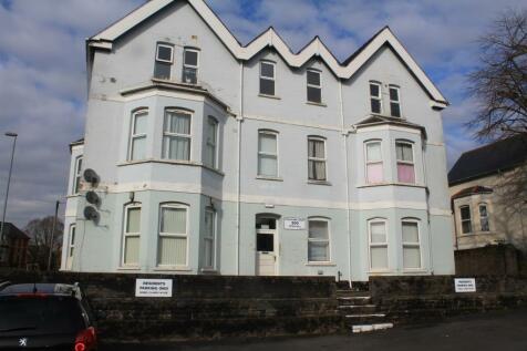 Stow Park Court, Hand Post. 1 bedroom flat