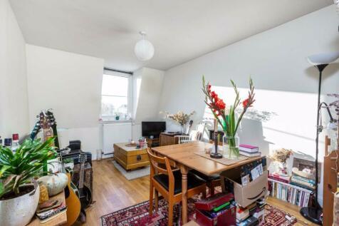 Oldridge Road, Balham, London. 1 bedroom flat