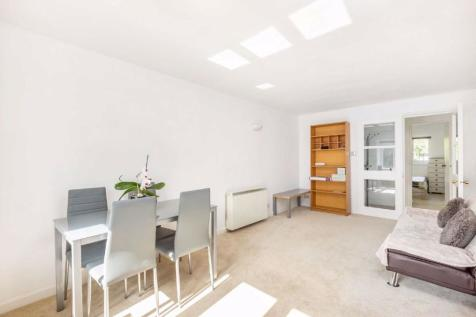 Limetree Walk, Tooting, London. 2 bedroom flat