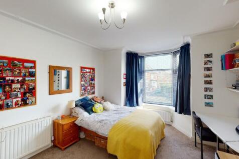 7 Ramsey Road, Crookesmoor. 5 bedroom house