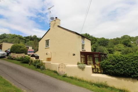 The Rocks, Plump Hill, Mitcheldean. 3 bedroom detached house