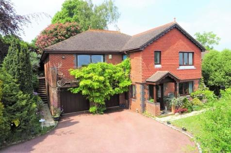 Gorse Lane, High Salvington, Worthing BN13 3BX. 5 bedroom detached house