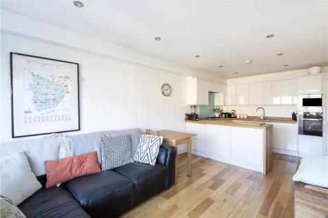 Tulse Hill, London, SW2. 3 bedroom apartment