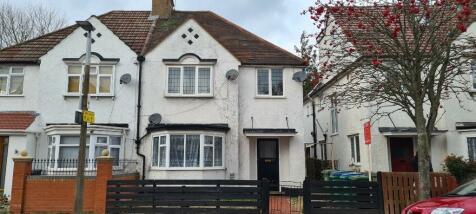 Albert Road North, Watford, Hertfordshire, WD17. 2 bedroom flat