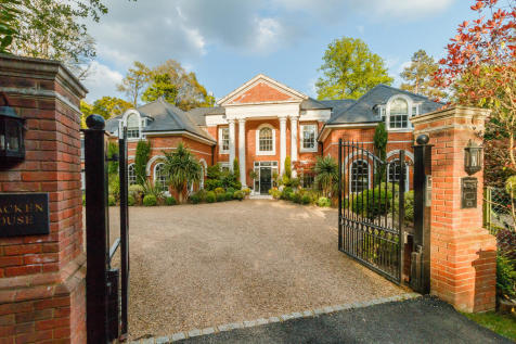 Woodlands Road West, Wentworth, Virginia Water. 7 bedroom detached house for sale