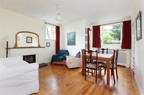Thurleigh Court, Nightingale Lane, Clapham South, London, SW12. 2 bedroom flat