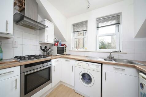Balham Park Road, Balham, London, SW12. 2 bedroom flat