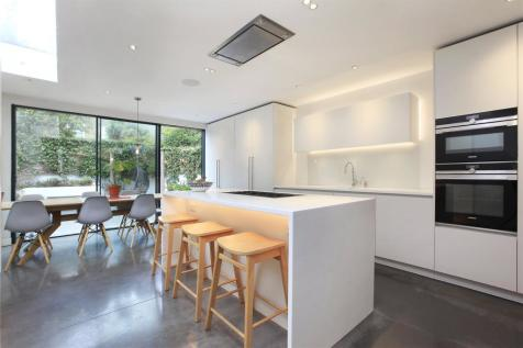 Kimberley Road, London, Greater London, SW9. 5 bedroom terraced house for sale
