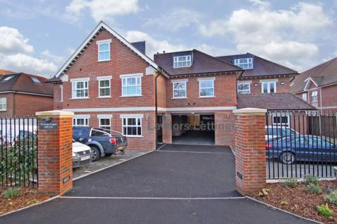 William Court, Manor Road, Chigwell. 1 bedroom flat