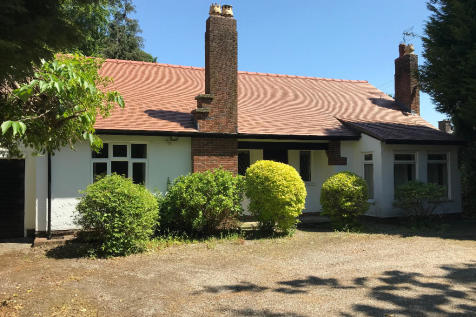 Weston Lane, Oswestry, Shropshire, SY11. 2 bedroom detached house