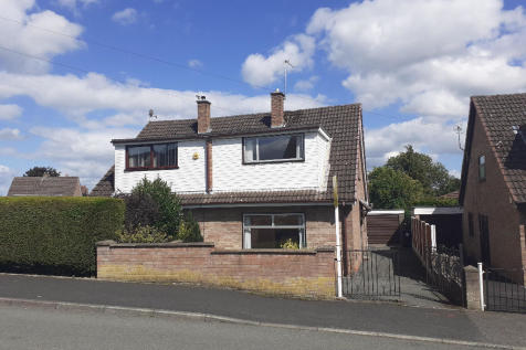 Prince Charles Road, Oswestry, Shropshire, SY11. 3 bedroom semi-detached house