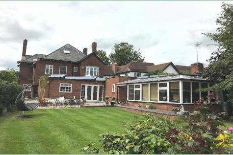 Morda Road, Oswestry, Shropshire, SY11. 6 bedroom detached house