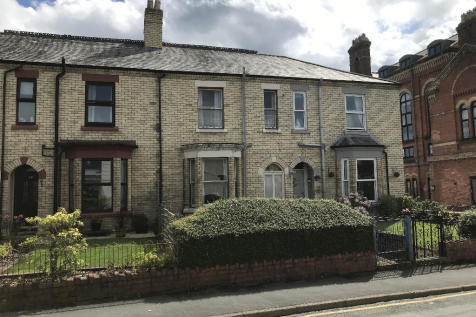 Roft Street, Oswestry, Shropshire, SY11. 3 bedroom terraced house
