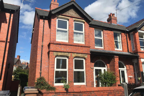 Edward Street, Oswestry, Shropshire, SY11. 4 bedroom semi-detached house for sale