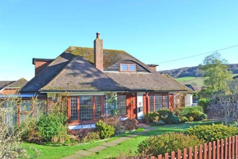 Livonia Road, Sidmouth. 3 bedroom detached bungalow