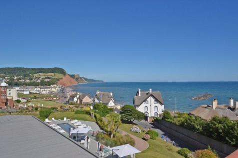 8 Connaught View, Sidmouth. 2 bedroom flat