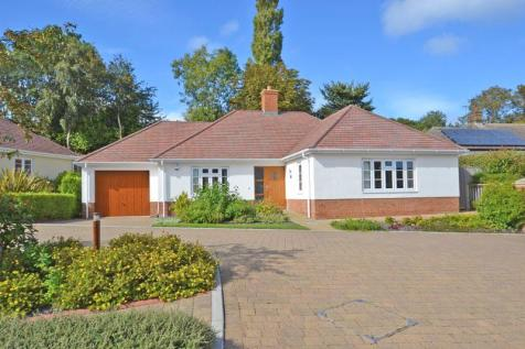 Coombe Hayes, Sidmouth. 2 bedroom detached bungalow