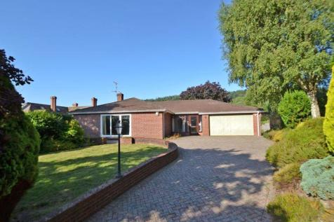 Convent Road, Sidmouth. 3 bedroom detached bungalow