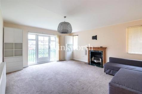 Thurlby Croft, Mulberry Close, London, NW4. 2 bedroom apartment