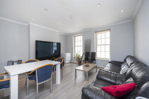 Warren Street, Fitzrovia, W1T. 5 bedroom maisonette