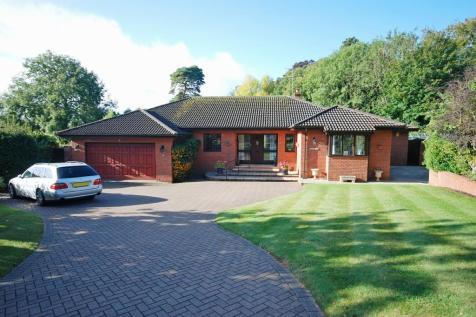 Sidmouth. 4 bedroom detached bungalow
