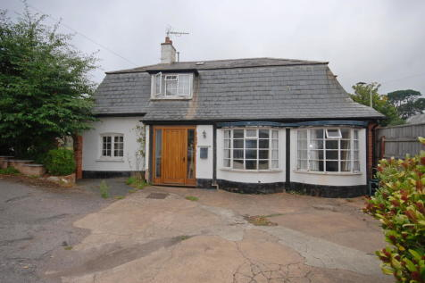 Station Road, Sidmouth. 3 bedroom chalet