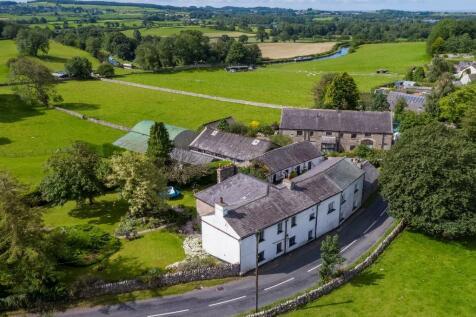 Mansergh Farmhouse & Cottages, Borwick, Carnforth, Lancashire, LA6 1JS. 5 bedroom detached house