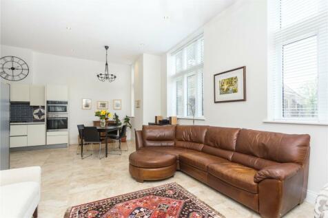 Devonshire House, Marlborough Drive, Bushey, WD23. 3 bedroom terraced house for sale